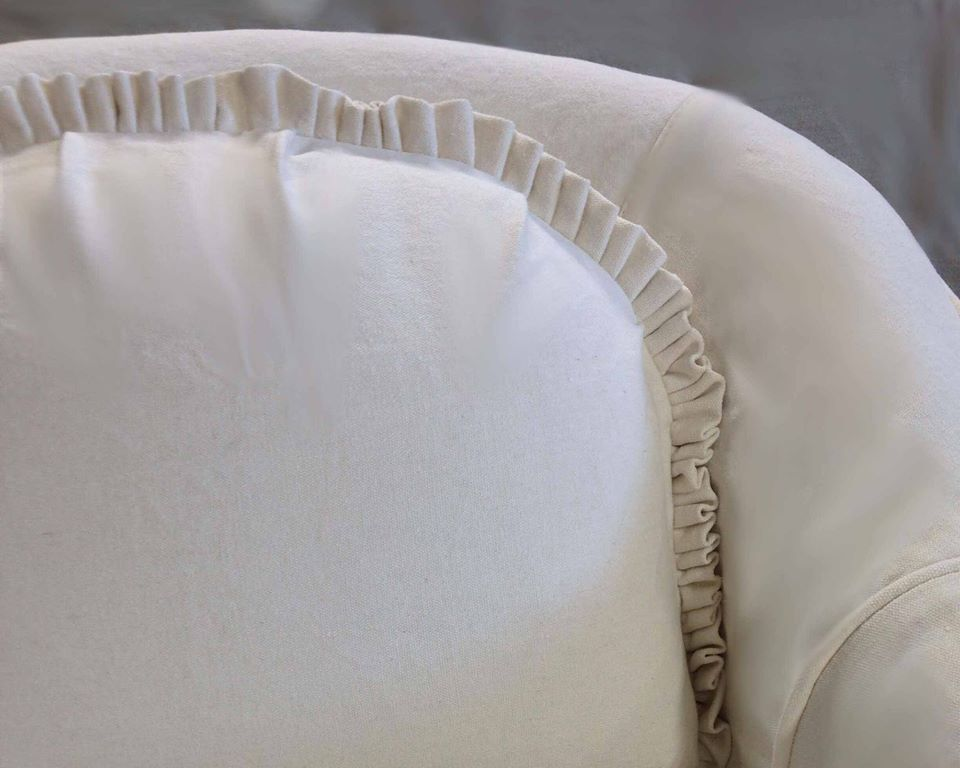 ruffled-back-cushion